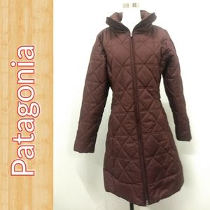 Patagonia burgundy quilted puffer jacket